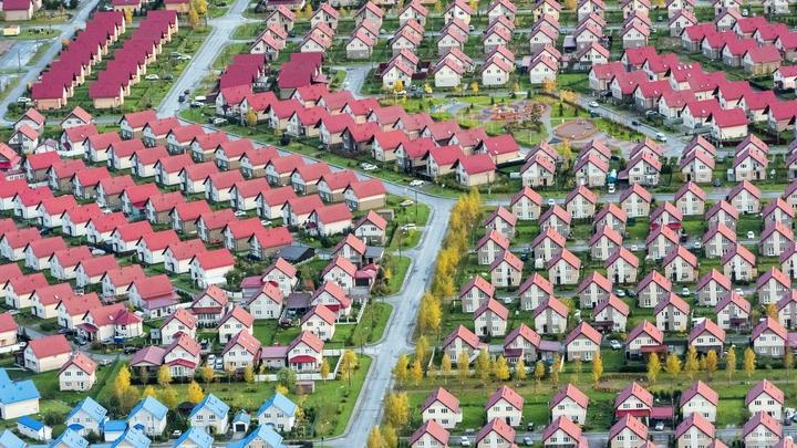 Больше 1,5 домов в Ленинградской области могут снести из-за охранной зоны