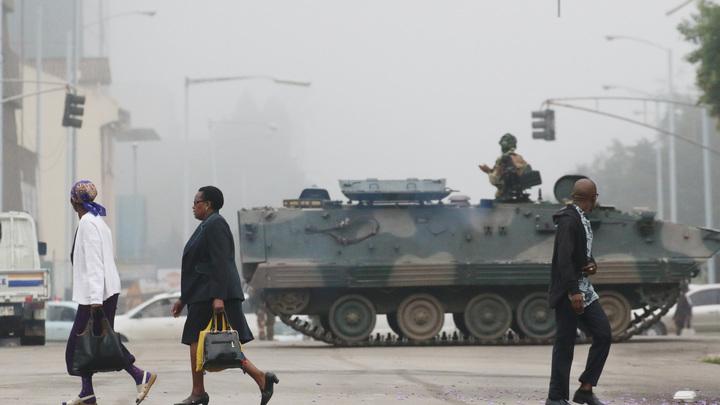 Трасса свободна: Бывший премьер Зимбабве вернулся в страну