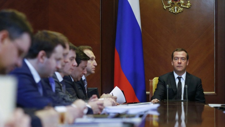 Собственных рук дело: Обвал рубля спровоцировали правительство и ЦБ