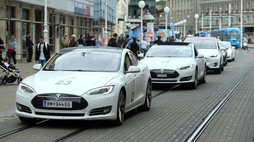 Tesla объявит распродажу автомобилейпосле открытия завода в Китае