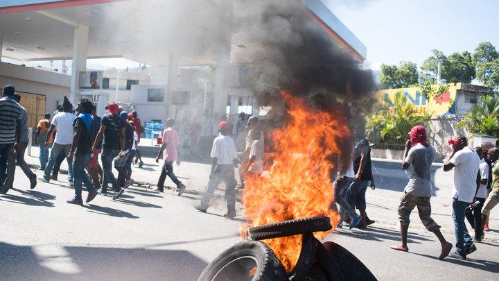 Жители Гаити попросили помощи у России - против американской оккупации