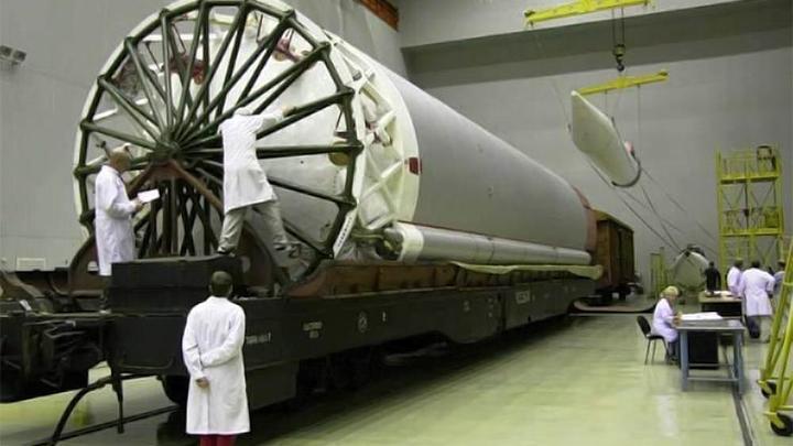 Британской OneWeb предложили запускать сотни своих спутников на Протонах