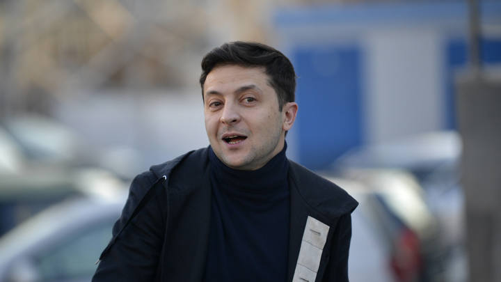 Усилить санкции: Команда Зеленского ощетинилась на Россию из-за паспортов жителям Донбасса