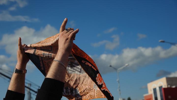 Родина тебя бросит, сынок: Протестующих против храма в Екатеринбурге поймали на шпаргалках Госдепа