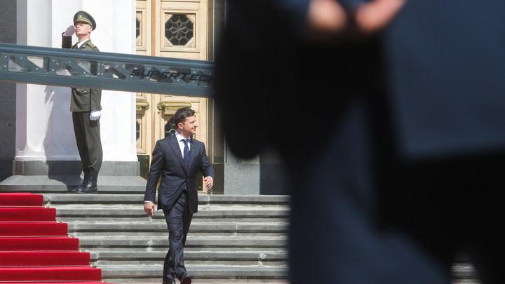 От веселья до тревоги - плохой знак: Спикер Рады обвинил Зеленского в нарушении Конституции Украины