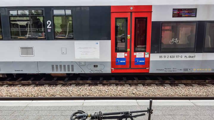 В Польше вспомнили о претензиях на части Украины и Литвы: Карту с захваченными городами нарисовали на поезде