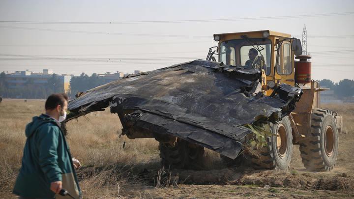 Самолёт развалился бы в воздухе: Военный эксперт объяснил, почему Boeing 737 сбил не Тор-М1