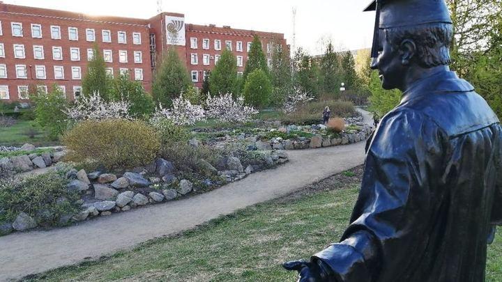 В Ботаническом саду в Челябинске наркоманы делают закладки