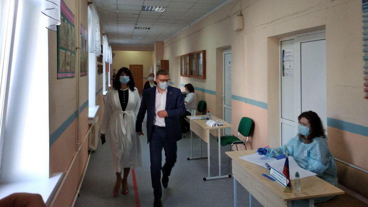 В Челябинской области стартовали выборы: кто пришел первым