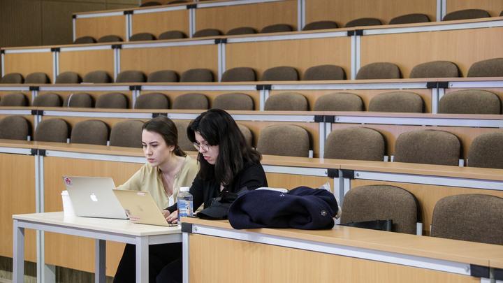 Непривитых от COVID-19 студентов не пустят на занятия в самарском вузе: отчисление гарантировано