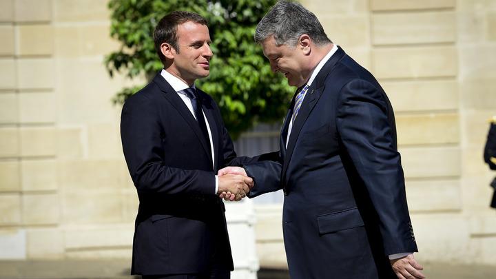 Формула Макрона: Порошенко пригласил французских сенаторов в Донбасс