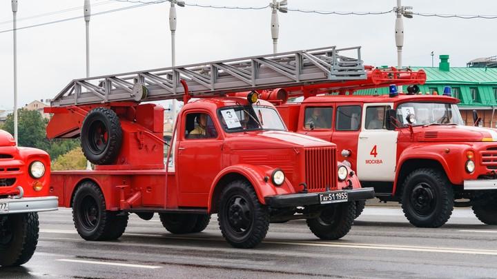 Автобус с пассажирами вспыхнул на трассе в Челябинской области