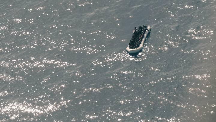 ЕС запретил поставлять в Ливию надувные лодки