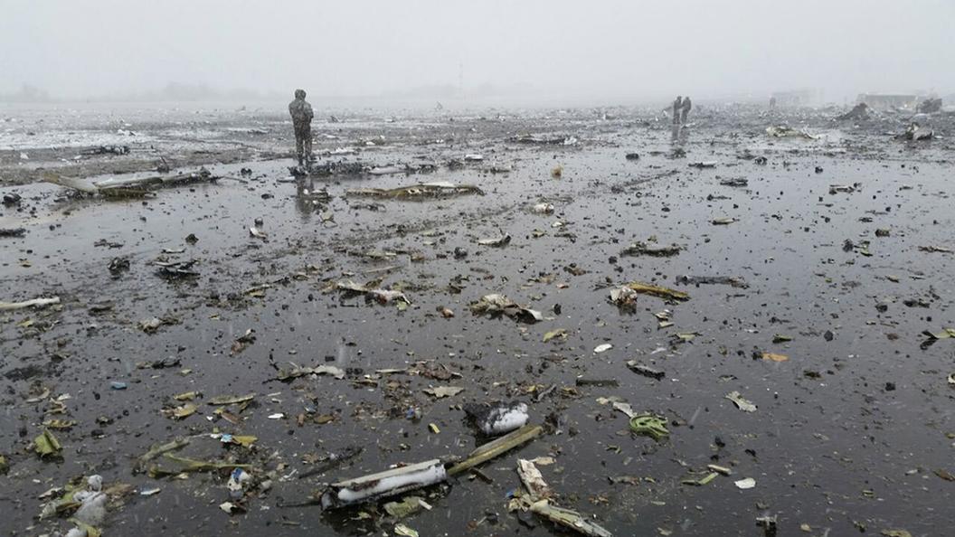 Пилоты о катастрофе в Ростове: Пора вспомнить о неполадках с рулем у боингов