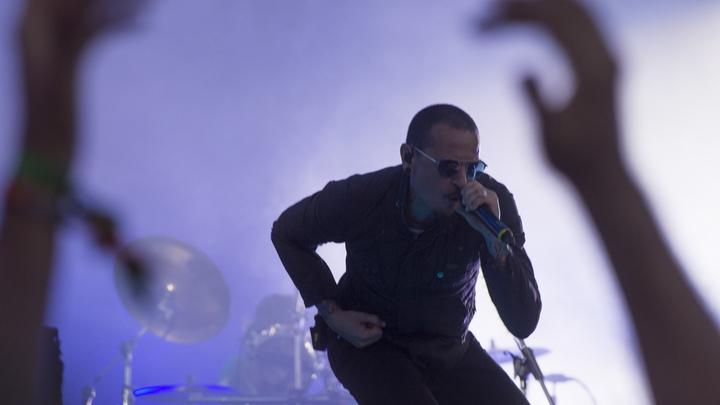 Эксперты назвали точную причину смерти вокалиста Linkin Park