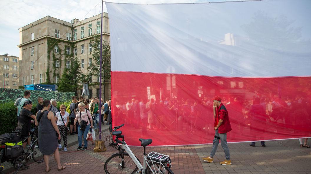 Сенат Польши одобрил скандальный закон о судебной реформе