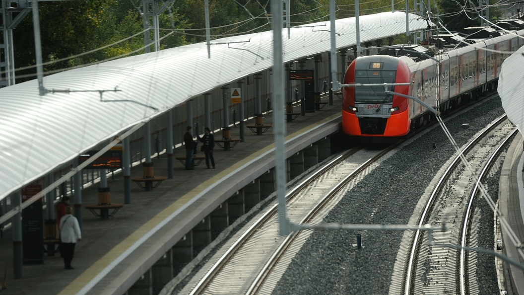 В Москве под колесами электрички погиб подросток