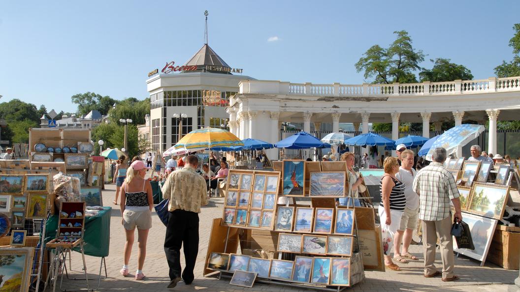 Сочи и Симферополь возглавили рейтинг популярных российских курортов