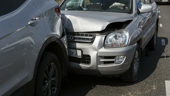 В России автостраховщикам разрешили урегулировать споры без суда