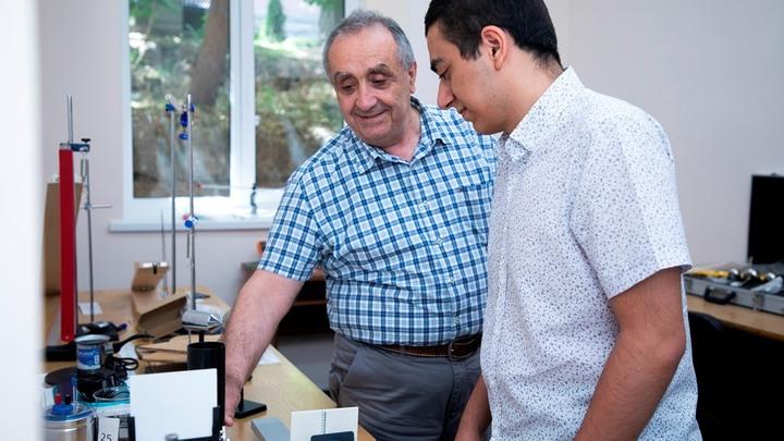 Армянские школьники завоевали золото и бронзу на международной олимпиаде по физике