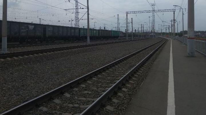Неизвестная женщина погибла под поездом в Кузбассе