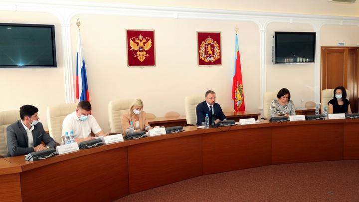 И.о. губернатора Владимирской области Александр Ремига встретился с собственниками отелей
