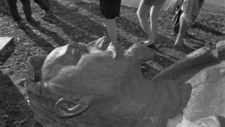 Щипков: Глумление над памятниками - занятие пошлое и недостойное великого народа