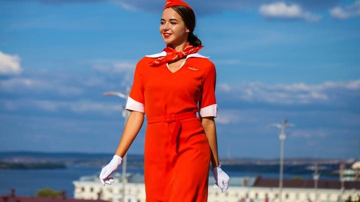Как отблагодарить стюардессу без чаевых? Бортпроводница авиакомпании Emirates раскрыла секрет