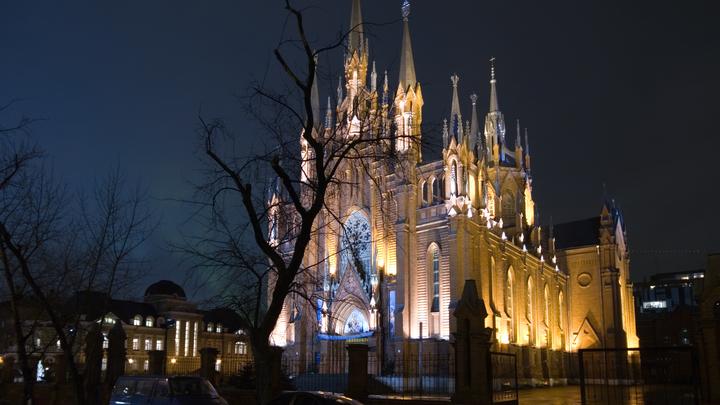 Неожиданное эхо французских терактов: В Москве закрыли католический храм