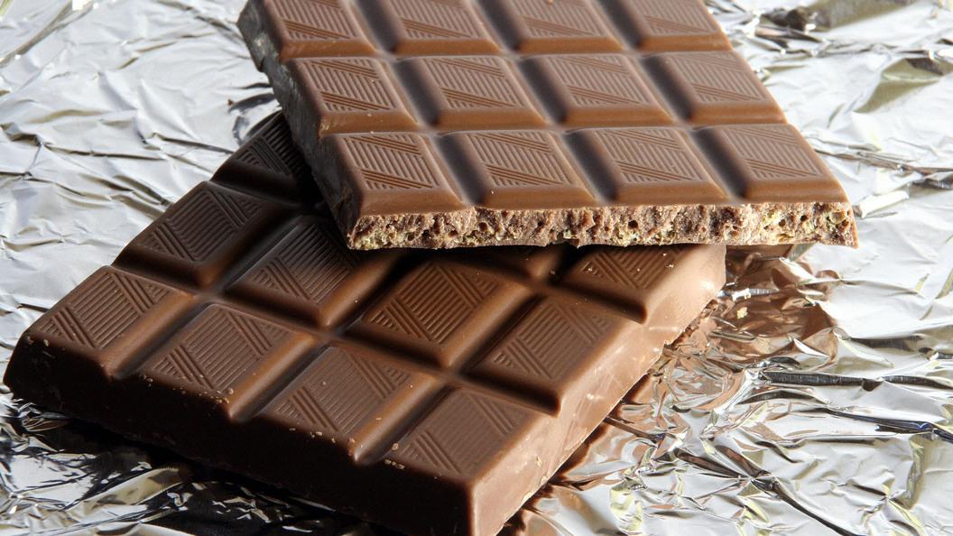 Горький шоколад улучшает работу иммунной систему человека