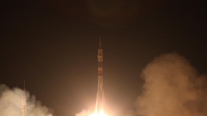НЛО или ракета: Европейцы испугались сгоревшего в атмосфере фрагмента ракеты Союз-ФГ - видео