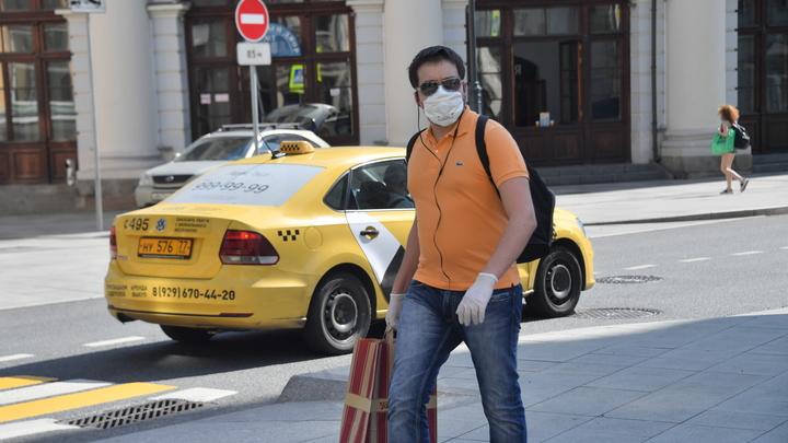 Почему в регионах России растёт заболеваемость COVID: Академик призвал не кивать на туристов
