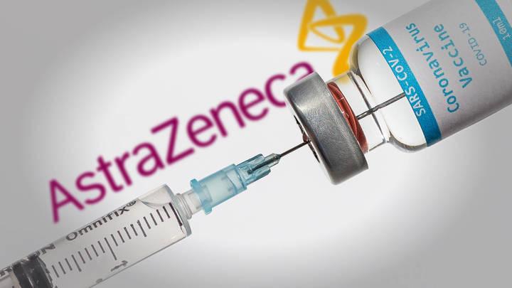 Странные реакции добровольцев на вакцину от COVID-19 встревожили врачей
