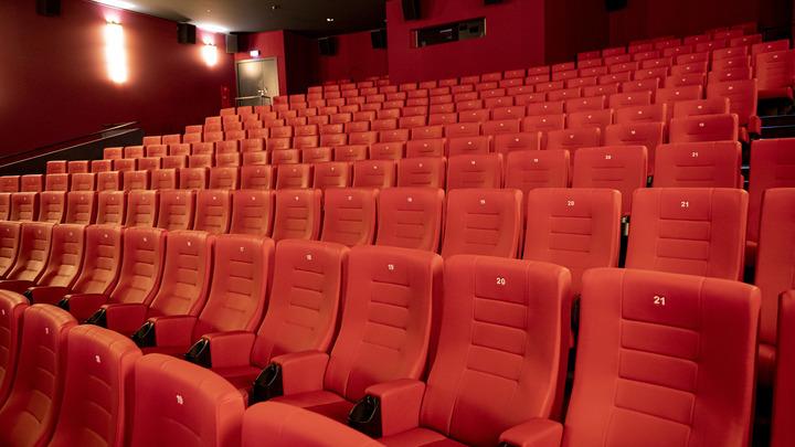 Комедия режиссёра из Новосибирска «Батя» собрала в прокате более 500 миллионов рублей