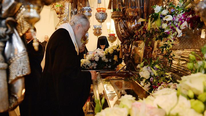 Святая Матрона и монахи без мерседесов: Церковное ноу-хау отца Андрея Ткачёва