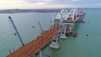 Автоподход к Крымскому мосту закончили уже на две трети