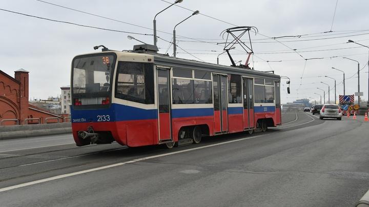 Новосибирцев будут возить 10 подержанных трамваев из Москвы