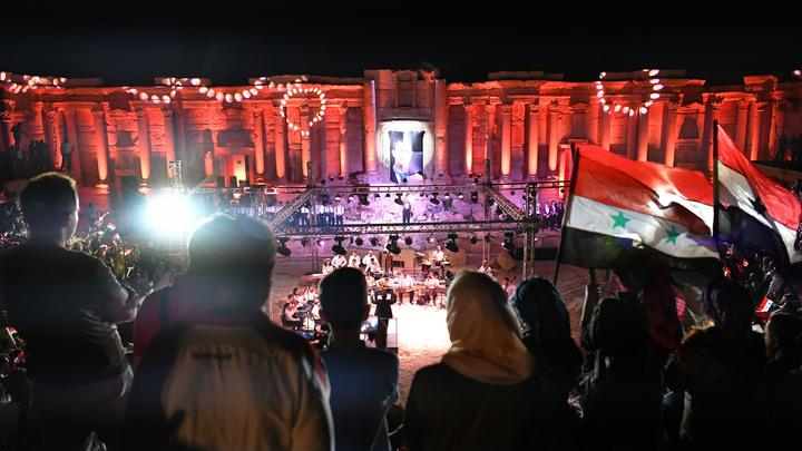 Война в Сирии закончилась. Кто мешает России помочь Дамаску наладить мирную жизнь
