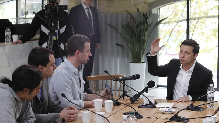 Зеленский сам себе лепит судьбу Януковича - политолог