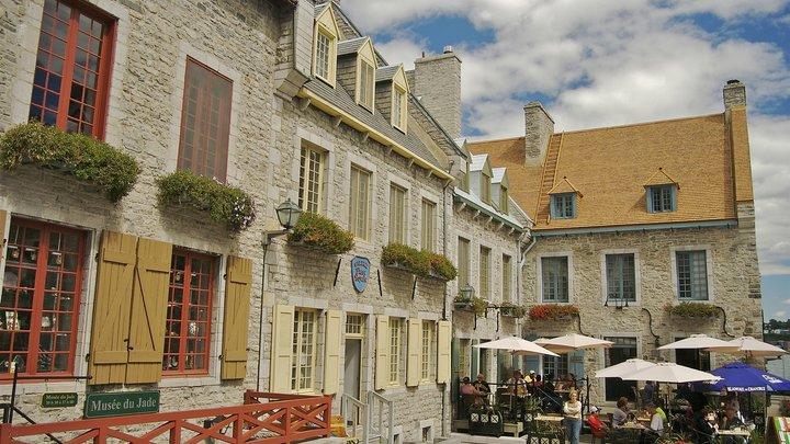 Иностранцы скупают Квебек: Цены на недвижимость в Канаде растут из-за иностранных покупателей