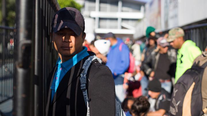 К границе США и Мексики подошла первая группа «каравана мигрантов»: счет пока идет на сотни