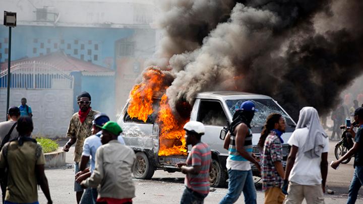 Почему США молчат о перевороте и бойне на Гаити?