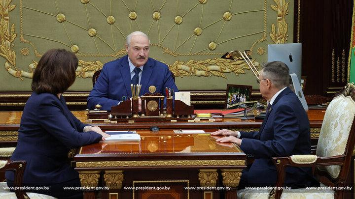 «Мы бы жили лучше, чем самые богатые страны планеты»: Лукашенко мечтает найти нефть