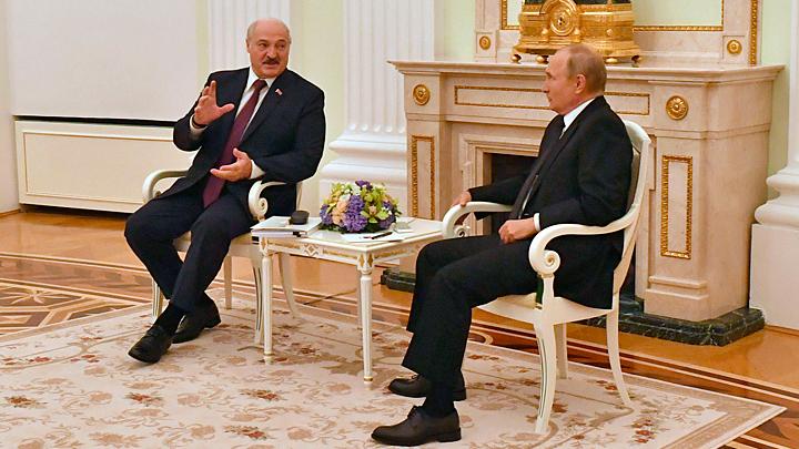 Путин и Лукашенко готовы сблизить свои страны. Нацбанки против