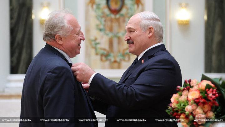 Лукашенко считает некоторых эстрадных артистов России предателями
