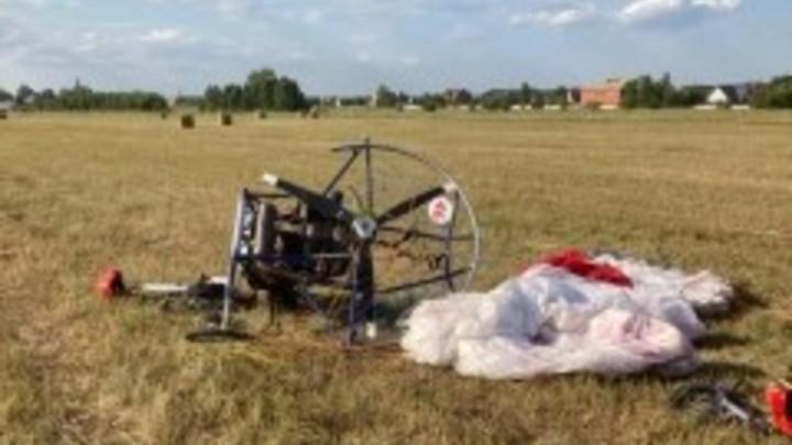 На соревнованиях под Новосибирском после жёсткой посадки пострадал экипаж паралёта