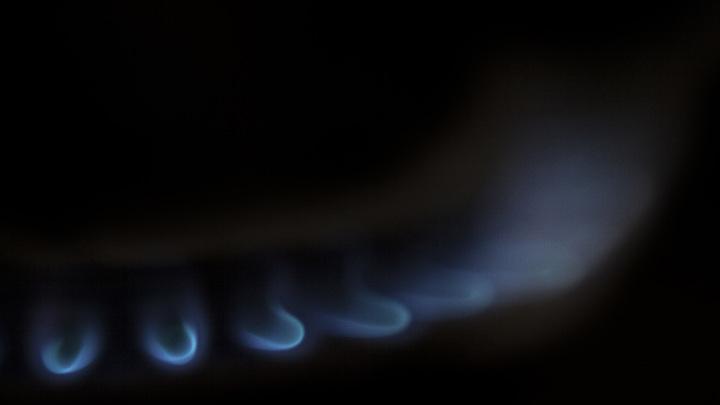 Украине придется перекачивать российский газ в ЕС даже без контракта с Москвой - источник