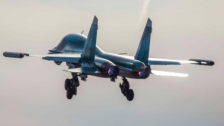Русский истребитель в одиночку развернул самолёты США в небе над Чёрным морем