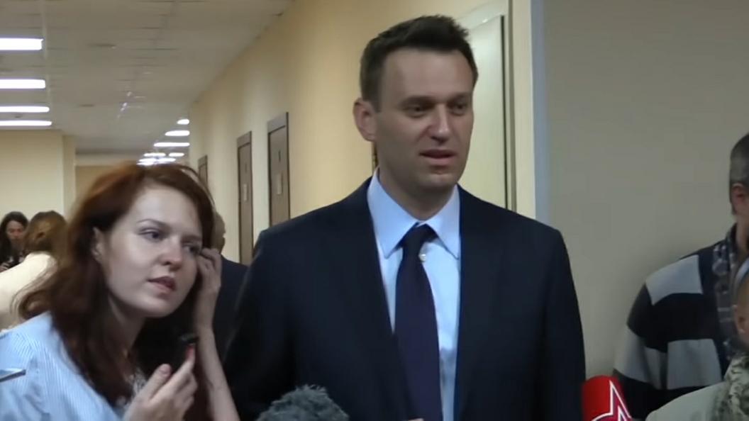 ФСИН просит продлить испытательный срок Навальному