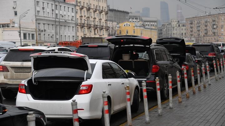 Досмотр людей и авто: Полицейским в России хотят дать больше полномочий